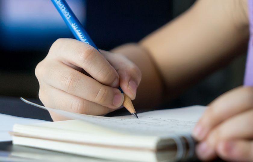 Proč si děti pletou písmenka a klidně píší zrcadlově? - Flowee