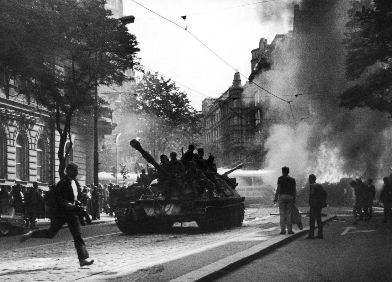 Proč je relativizace okupace ze srpna 1968 nebezpečná