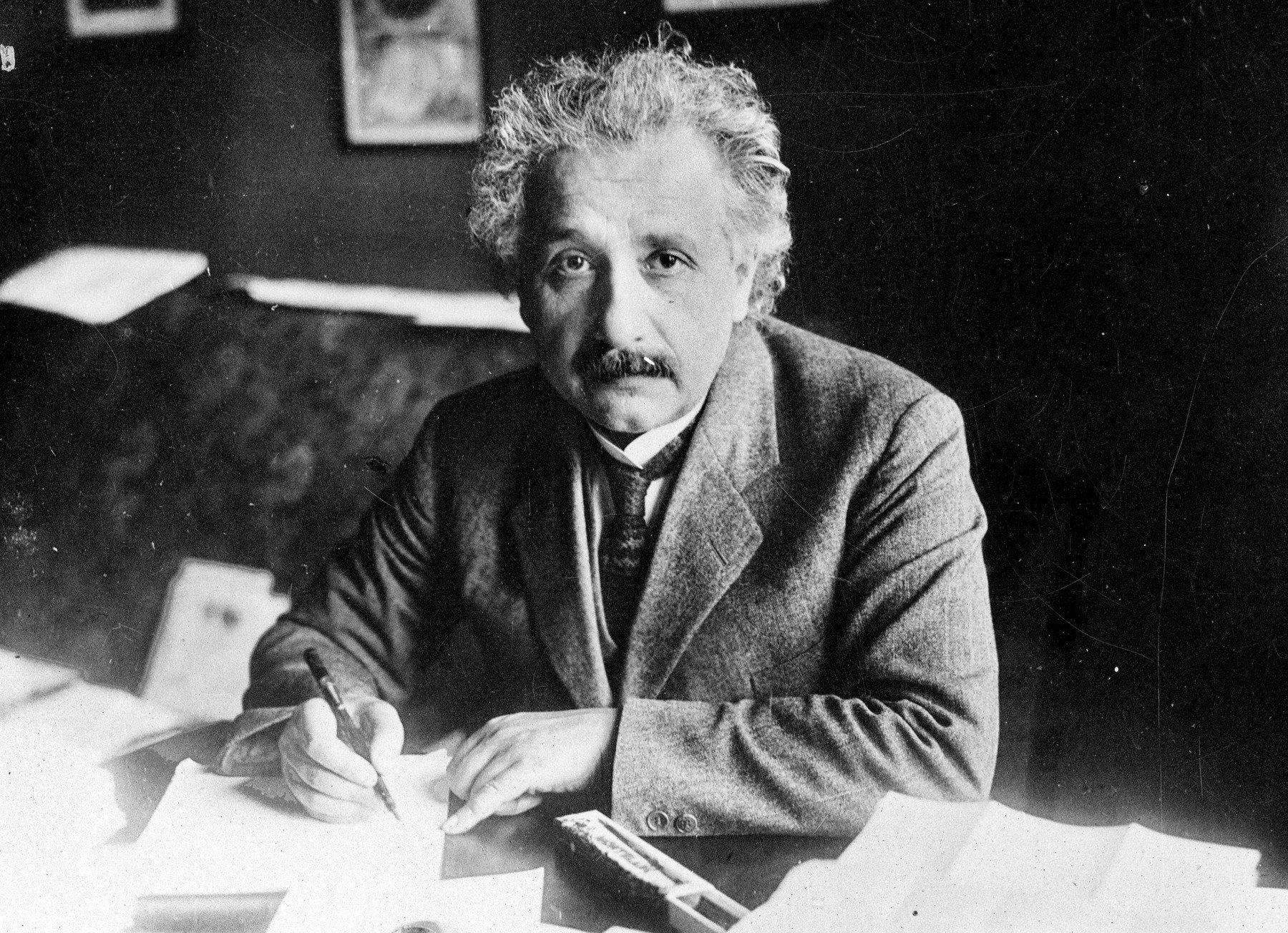 "Einstein popsal Číňany jako ""upracované, špinavé a tupé"""