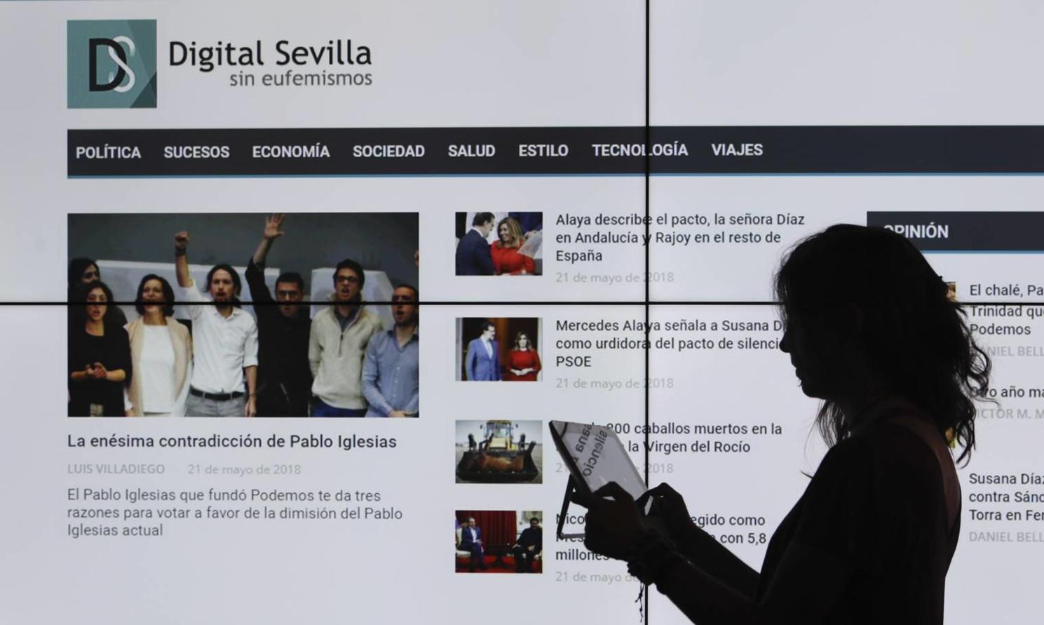 S rudým hadrem na čtenáře. Mladý Španěl dráždí svými fake news