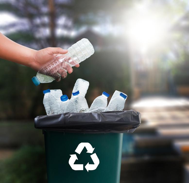 Bioplasty nejsou spása. Mnohé škodí přírodě víc než běžné plasty