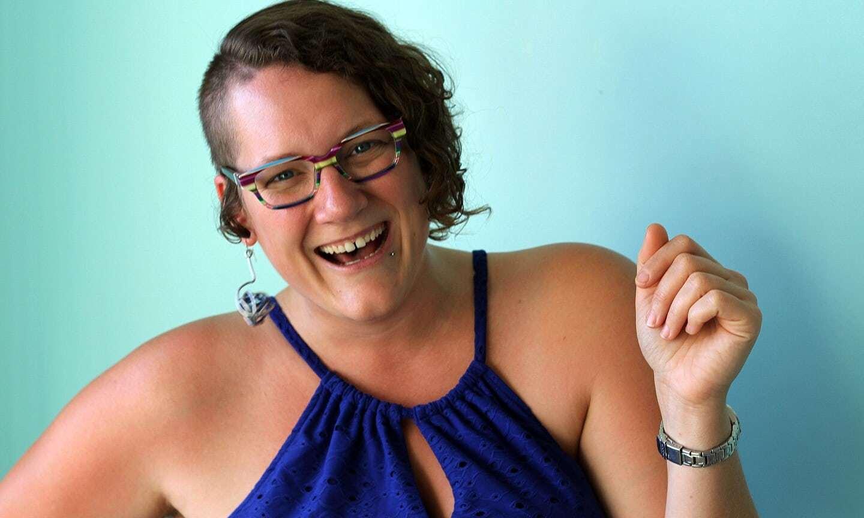 Kšeftík díky #MeToo: Žena hlídá flirtování na kanadské diskotéce