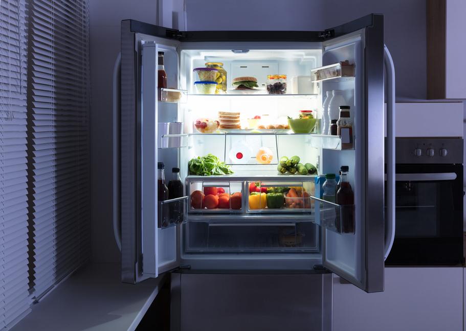 Deset věcí, které do ledničky nepatří, a většinou tam jsou