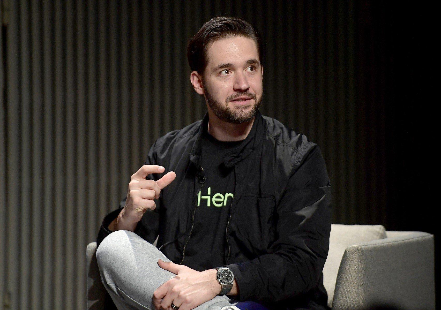 Lidé se začnou z velkých sociálních sítí stěhovat do komunit, říká zakladatel Redditu