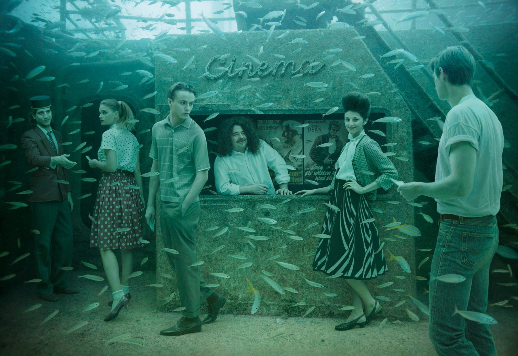 Podmořská galerie spojuje svět pod hladinou se snímky z vídeňského života