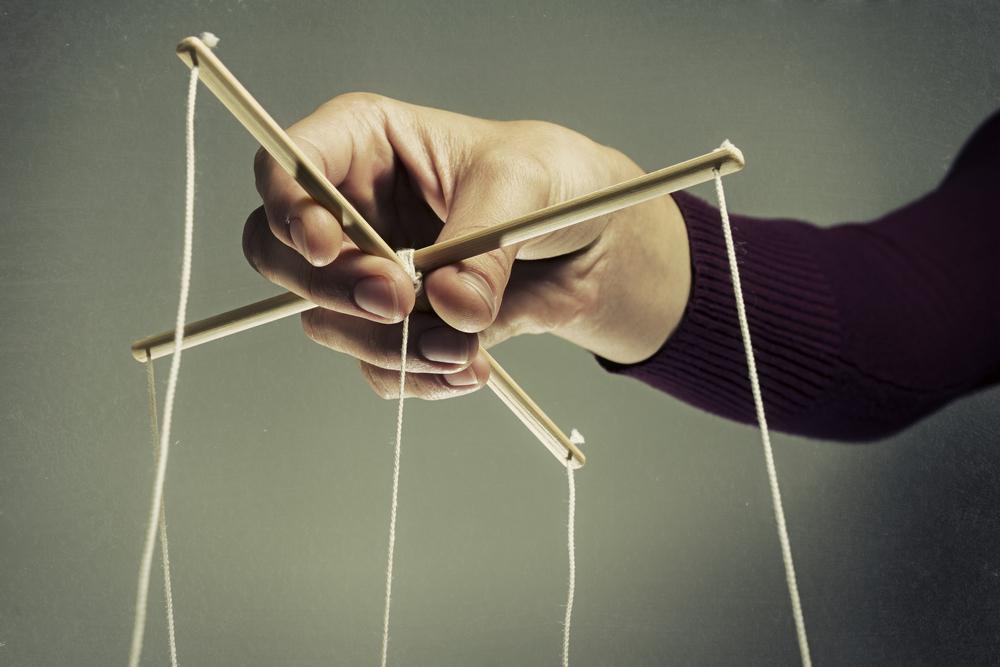 """Manipulátoři: Jde o """"přátele"""", kteří po nás chtějí víc, než nabízejí"""
