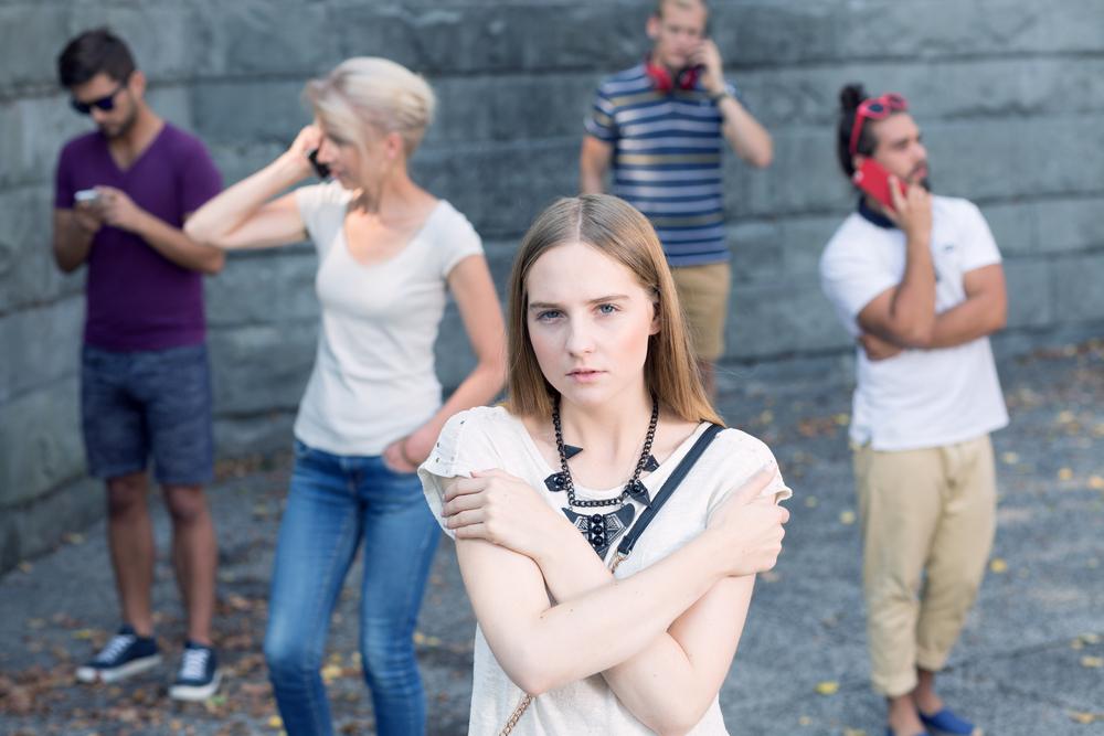 Internet dělá z mladých lidí generaci osamělých