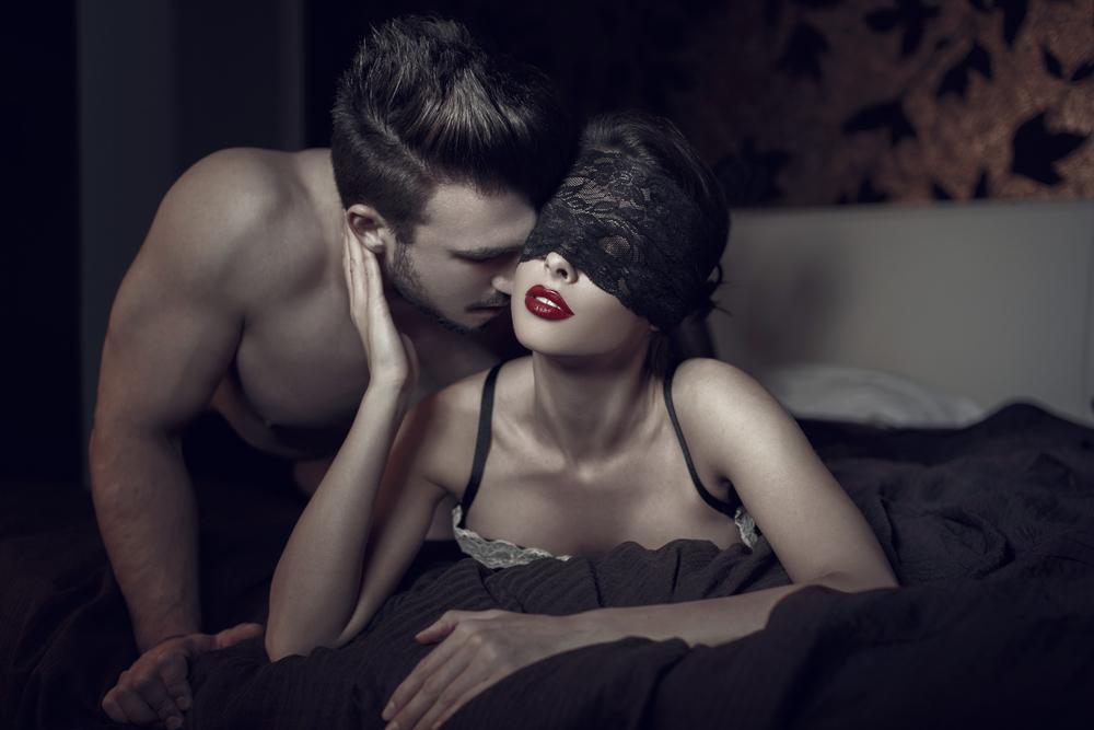 Sexuální trendy současnosti mohou i zabít. Stealthing, pearling ani srbskou ruletu raději nezkoušejte!