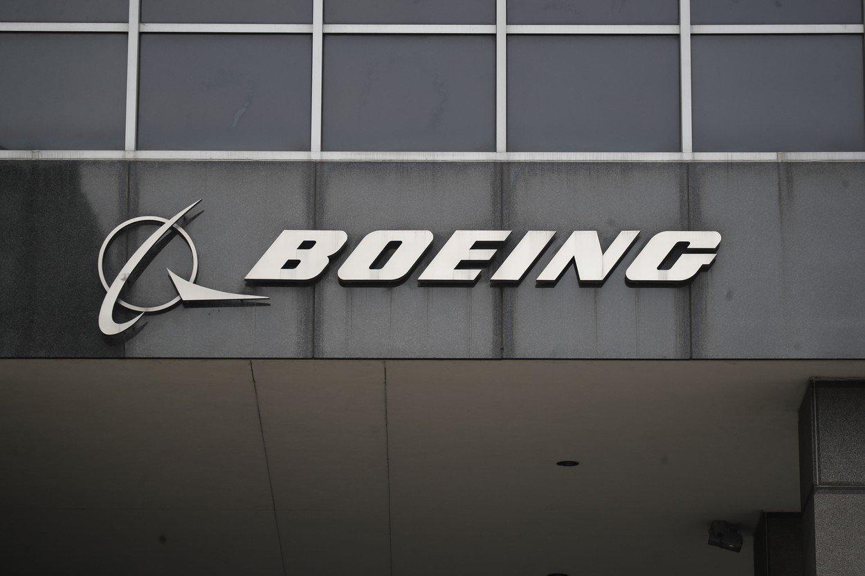 Boeing není sám. Nefunkční systémy shazovaly letadla i v minulém století