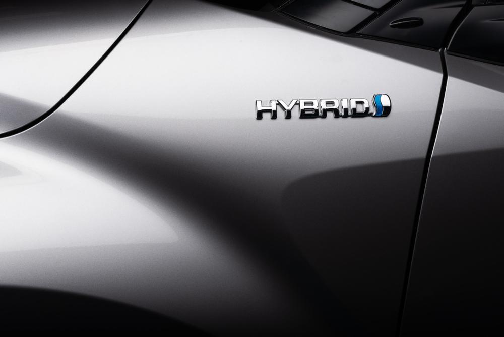 Toyota lobuje za hybridy: Jsou prý víc eko než elektromobily
