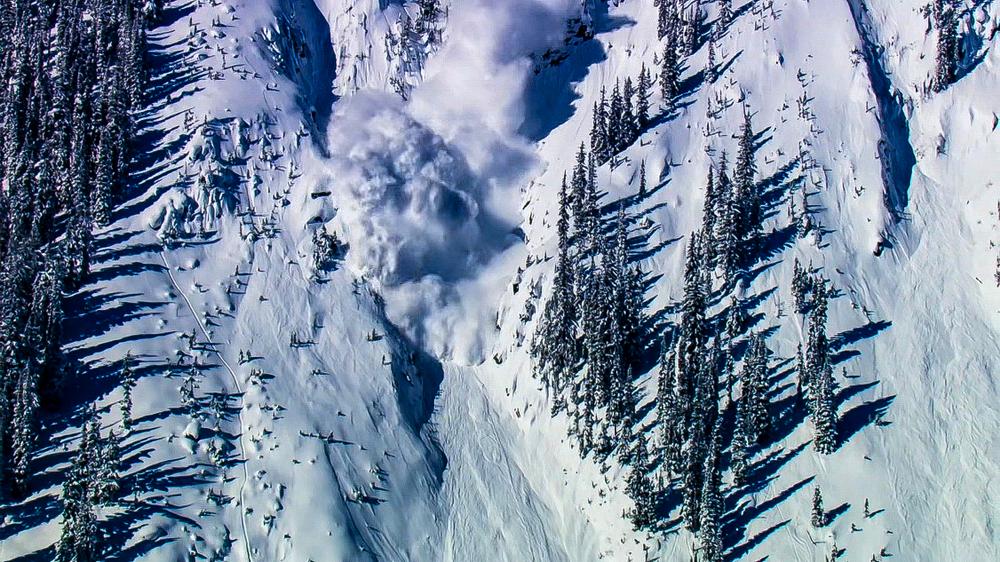 Jak se vyhnout lavině? Vzduchová kapsa podle českých vědců nepomůže