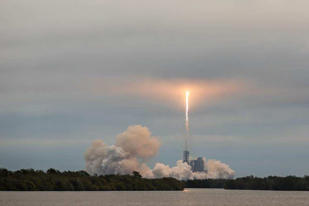 spacex shutterstock 585342653